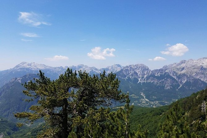 Tour of Komani Lake & Valbona Valley in two days, Tirana, Albânia