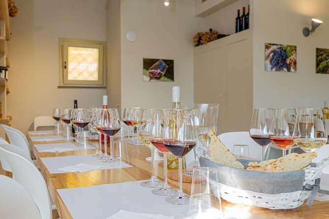 Guided Wine and Olive oil tasting, ,