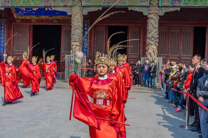 Qufu is best known as the hometown of Confucius. This magnificent private day tour offers two tour starts/ends options. You will visit three World Cultural Heritage sites-Confucius Temple, Confucius Family Mansion and Confucius Cemetery. <br>Private transfer, local lunch, entrance fees are all inclusive.<br>