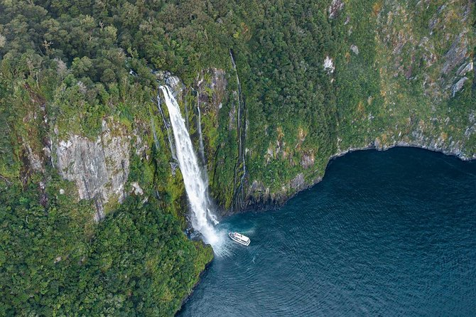 Milford Sound Sightseeing Cruise Including optional Lunch, Fiordland y Milford Sound, NUEVA ZELANDIA