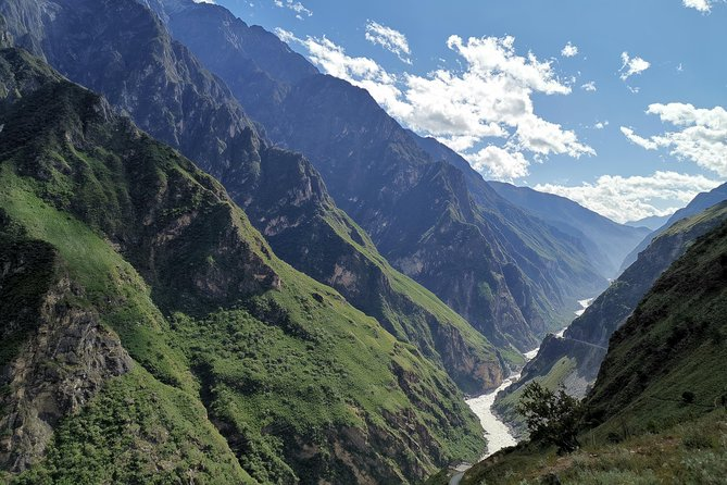 Day excursion of Tiger leaping Gorge from Lijiang, Lijiang, CHINA