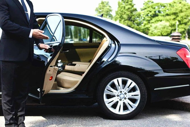 We provide the best Limo Service to Midway Airport and Limo Service to o'hare from Milwaukee and surrounding areas
