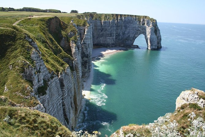 Normandy Excursions by Navette Plus Cruise Services **ETRETAT CLIFFS and VILLAGE NON GUIDED TOUR**<br><br>* ABOVE MENTIONED PRICE IS PER CAR (8 persons max) <br>* PRIVATE TRANSFER FM/TO LE HAVRE PORT or NEARBY HOTELS<br>* COMFORTABLE MINIVAN<br>* CUSTOMIZED TOURS POSSIBLE !<br><br>Etretat cliffs are most picturesque in Normandy. You will be surprised by their verticalness, also our driver will arrange a stop to the church located on the top of the cliffs.<br>