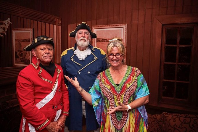 The Commandant's Dinner is a fun evening which explores Norfolk's rich and colourful history. It includes a 3 course dinner and entertainment.