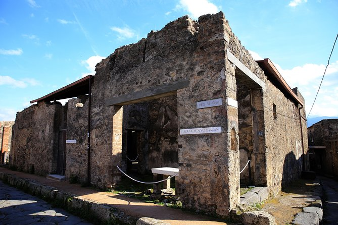 Tour of Pompeii Must-See Sites with Skip the Line Tickets & Exclusive Guide, Pompeya, ITALY