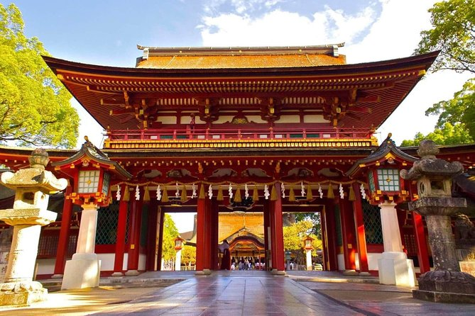 This value-packed trip with a nationally/state licensed and experienced multilingual tour guide is a fantastic and efficient way to explore Fukuoka!<br><br>Enjoy a Half-day walking tour with your private guide, as he/she introduce modern and traditional aspects of this dynamic, ancient city! This dynamic city is home to many historical temples and is famous for its unique food culture.<br><br>Your guide will pick you up at your hotel or any other point at your convenience to start your day. You will then have the choice of visiting any of Fukuoka's famous sites.<br><br>Let us know what you would like to experience, and your guide will then arrange a four-hour tour that's best for you!<br><br>Note*1: Please select your must-see spots from a list in the tour information to create your customized itinerary.<br>Note*2: Nationally and State Licensed Tour Guide-Interpreter certification is issued by the Japanese government requires a good knowledge and understanding of Japanese culture and history.