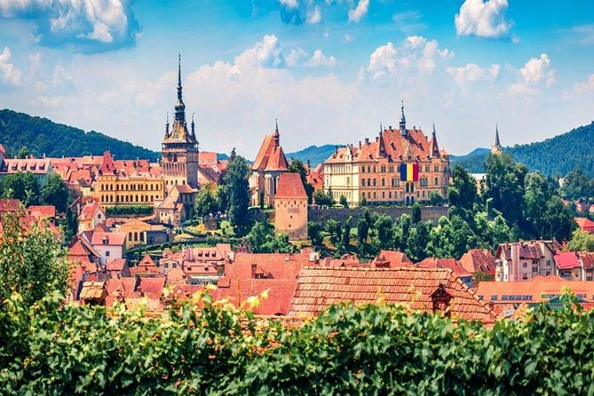 This tour allows you to see the real face of Romanian culture<br>You will be able to see iconic landscapes of countryside .<br>Yo will have the possibility to extend or reduce your tour.<br>Our guide can offer you an insight on Romanian history <br>Cities like Sighisoara and Sibiu are included as main destination in Europe competing with more famous cities such as Rome or Athens
