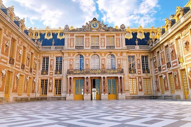 Palace of Versailles : Express Guided Tour with Fast-track Entry, Versalles, FRANCIA