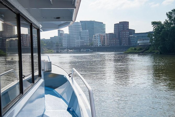 Düsseldorf Hop-On Hop-Off Bus Tour and Rhine River Sightseeing Cruise, ,