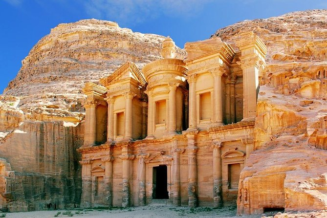 This tour covers the site of Petra in a short duration, you will be able to travel to Petra in a luxury way, feeling very comfortable all the way to Petra and back to your hotel.