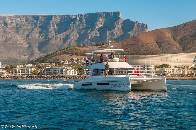 The ideal way to see the iconic Cape Town Atlantic coastline. A relaxed one hour cruise from the V&A Waterfront to the historic Green Point lighthouse and back. Spectacular views of the city and Table mountain from the perspective of ancient mariners!
