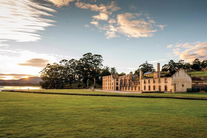 Explore Tasmania's rich convict history on this full day tour from Hobart. On this approximately 7-hour round trip from Hobart you will travel south to the Tasman Peninsula to see its stunning coastal rock formations and visit the World Heritage-listed, Port Arthur Historic Site.<br>Before returning to Hobart you will visit the historic village of Richmond with its elegant Georgian architecture, convict-constructed bridge and collection of galleries, craft boutiques and museums.<br>If you prefer, and with time and weather permitting, there is an option to add in a trip to the pinnacle of Mt Wellington or for an additional expense visit the Tasmanian Devil Unzoo wildlife park.<br>You will be travelling in a group with no more than 20 people.