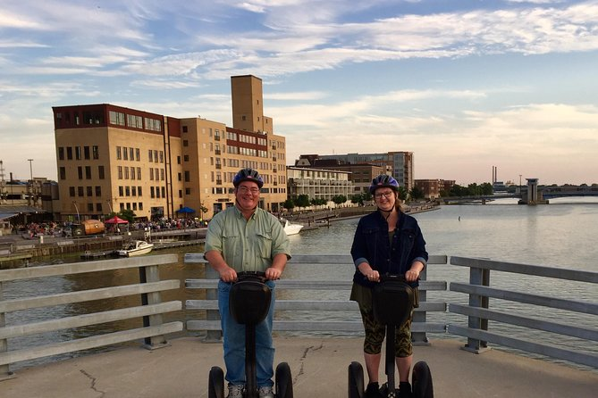 Green Bay Sunset Segway Tour on the Fox River, Green Bay, WI, ESTADOS UNIDOS