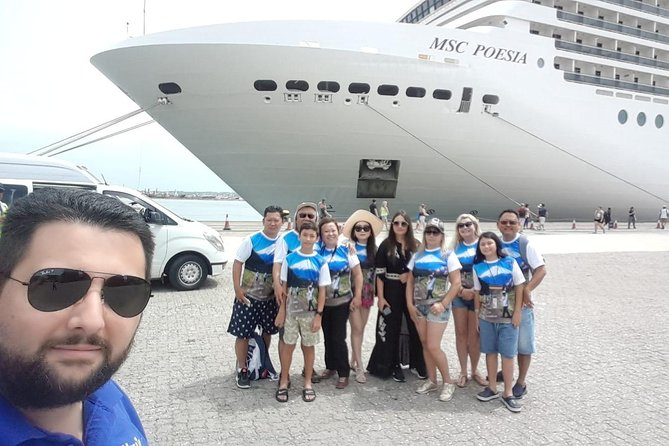 We don't want to be known as just another toursim company, we want to share with you our passion for travel and adventure<br><br>South Experiences is a company specialized in cruise passengers.<br><br>We adapt to all arrival modifications.<br><br>Excellent service.