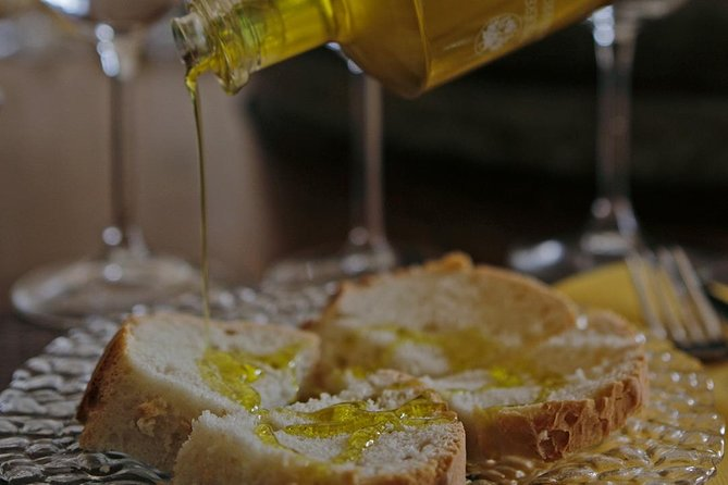 Essence of Tuscany - Wine & Evo oil Tasting, San Gimignano, Itália