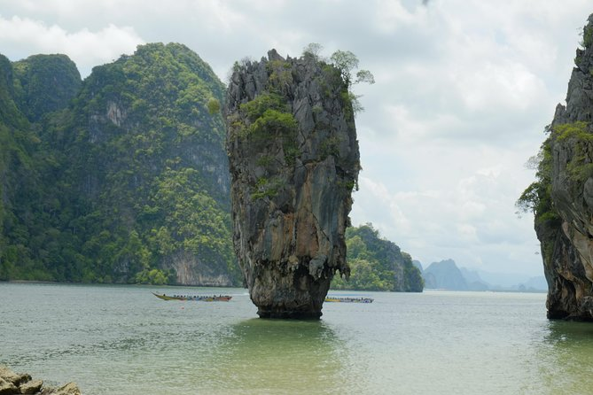 June Bahtra: Full Day Cruise in Phang Nga Bay by Chinese Junk Boat, Phuket, TAILANDIA