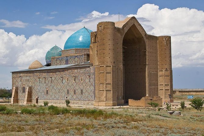 Turkestan - Land of Turks<br>With us in one day you will be able to get acquainted with the fabolous city. Our professional team will help you feel the admiration of the city. Experience the silence on the huge monumental complex that is surrounded by the city among the steppes.