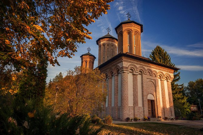 Complete Bucharest Tour with Mogosoaia Palace and Snagov Monastery, Bucarest, RUMANIA