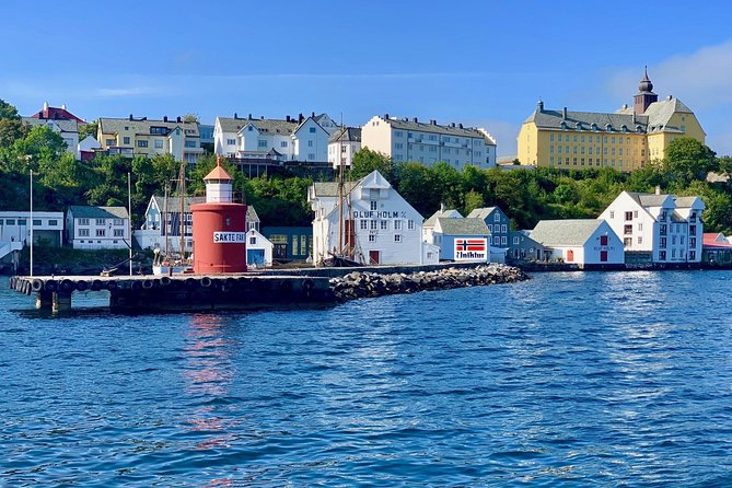 This tour is the best option to get to know Alesund with locals. Choose privacy and comfort. Skip climbing 418 steps, we deliver you to the top of Aksla mountain, enjoy breathtaking panoramic view!<br>Stroll along the district of Sea Venice, listen to miracle stories, admire Art Nouveau town design! <br>