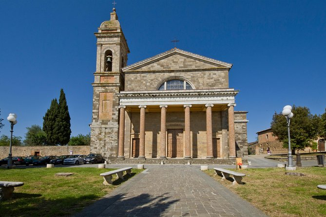Montalcino, the city center of the territory and important for one of the most famous wines of Italy: Brunello di Montalcino