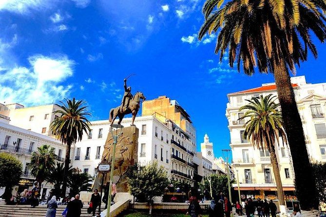 A full-day private tour of Algiers by comfortable vehicle, with museum stops included.<br><br>In-depth guided tours span hundreds of years of history, from Ottoman to colonial and contemporary heritage.<br><br>Enjoy free time to grab a traditional local lunch on your own, in a high-recommended restrant.<br><br>Upgrade to choose door to door to private car transfers from your Algiers hotel.<br>