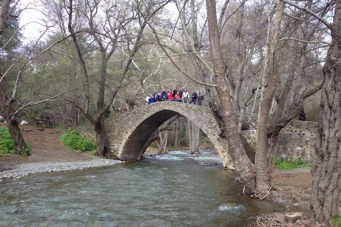 MÁS FOTOS, Omodos village, Kelephos bridge with Optional easy walk
