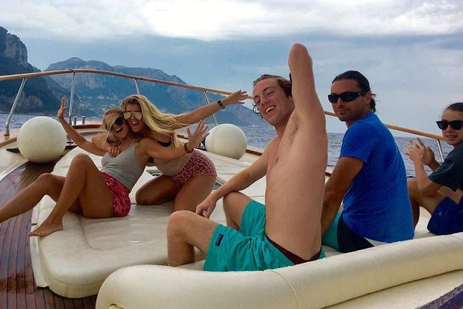 Recorrido en barco privado de medio día a Capri, Capri, ITALIA
