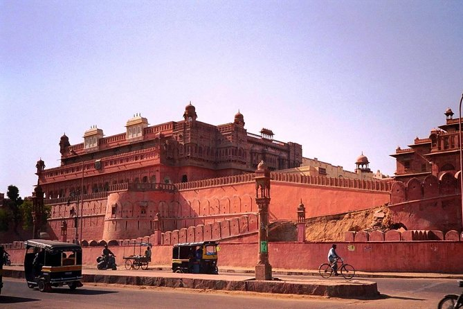 Running short on time but wish to See more than this Tour is for you !! In this tour you are picked up from the Hotel in Bikaner and then enjoy the Bikaner Sites in details and later on you be dropped Off at Jodhpur comfortably. Tend to Sell out Product.<br>