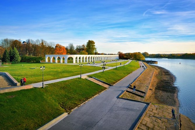 3-hour walking tour of the main attractions of Veliky Novgorod. You will see Yaroslav's Court, Novgorod Kremlin, St. Sophia Cathedral, Monument to the Millennium of Russia, ect.