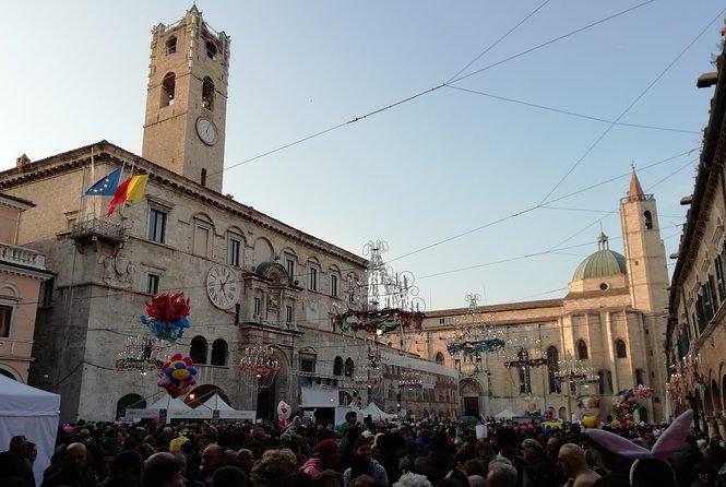 MAIS FOTOS, Ascoli Piceno..ride long medieval squares