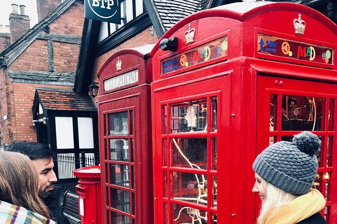Stratford-Upon-Avon is a market town packed full of history and beautiful English countryside. We'll take a stroll through the town stopping at key sites for photos before heading to the scenic 'Greenway' where you'll see English countryside at its best. We'll then head to one of my favourite English cafes for a hot drink and a continuation of the class where you'll get to ask any questions and review what you've learnt!