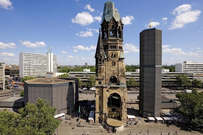 Join-in Shore Excursion: Berlin Highlights and Sachsenhausen, Rostock, ALEMANIA