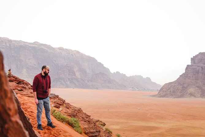 04 hour 4x4 tour and the sites you will visit : Nabatean Temple , Lawrence Spring, Sand Dunes, Khazali Canyon, Little Bridge, Um Frouth Rock Bridge & Lawrence House.<br><br>