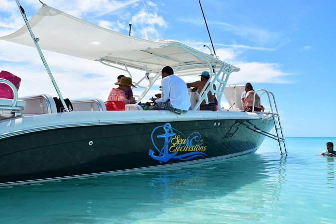 Looking for adventure? Climb aboard our quick and comfy 39' powerboat for an exciting excursion to The Exumas! Rich in history and visually stunning, The Exumas are an archipelago of 365 cays and islands starting just 35 miles southeast of Nassau.