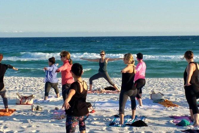 Family Yoga Session on the Beach, Pensacola, FL, ESTADOS UNIDOS