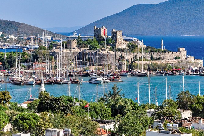 Bodrum Airport Transfers : Bodrum City to Bodrum Airport BJV in Business Car, Bodrum, TURQUIA