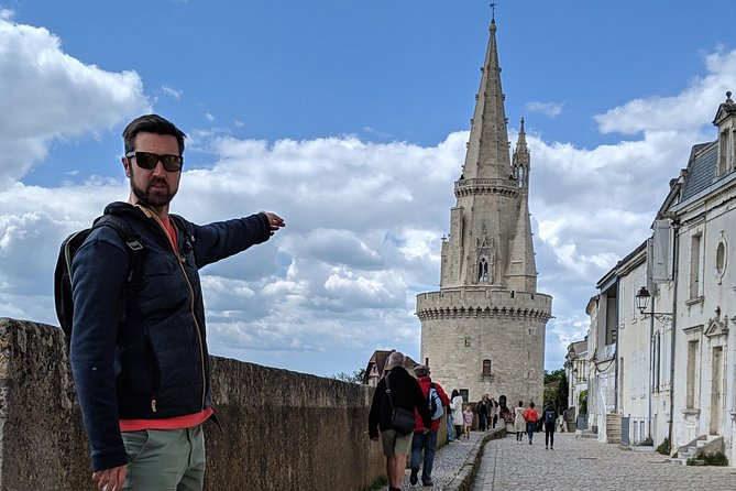 Walking tour of La Rochelle in English. <br><br>Find out about the history of La Rochelle, visit the key sights to see, discover the best things to see and do around La Rochelle, learn about the Food & Drink specialities of the region and get loads of tips for making the most of your time in this wonderful city!