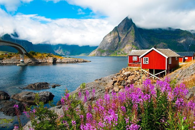 We run this special photography tour in small groups, maximum 7 adults per group, to ensure an unique and customized experience without stress and rush: we want our customers to have all the time they need to breath the magic of the Lofoten archipelago, to walk, to enjoy and to take as many pictures as they want. <br><br>You don't have to be a professional photographer to join this tour. Our photography tour is suitable for everybody: professional photographers, photo lovers, neophytes and Arctic lovers. <br><br>The Arctic lights and colors, and the natural contrasts of this amazing land make these islands a perfect place to take unique and unrepeatable pictures and enjoy unique panoramas. During the trip, we will search for the best light and best locations.<br>The islands offer unique spots, breath-taking and majestic nature, unforgettable places, steep peaks which rise directly from the sea, white sand beaches and a sea so blue that it is hard to believe that you are in the Arctic. <br>