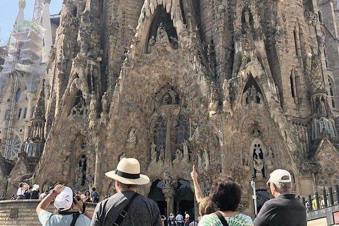 Recorrido guiado de día completo con acceso Evite las colas: Sagrada Familia, Parque Güell y La Pedrera, Barcelona, ESPAÑA