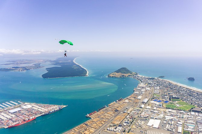 10,000ft Tandem Skydive, Tauranga, New Zealand