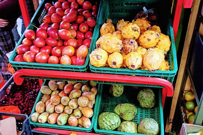 Walking tour, cable car & fruit tasting, Medellin, COLOMBIA