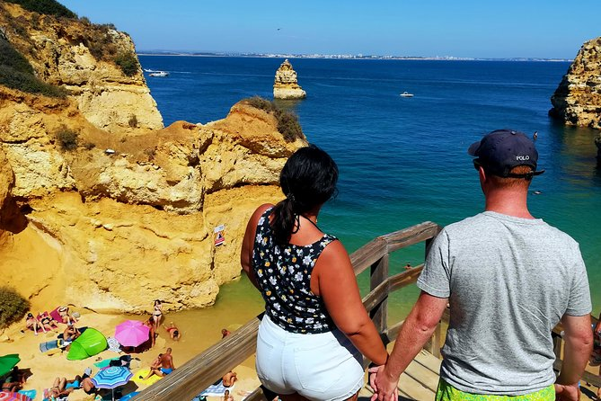 Join us on a real guided tour, with a friendly, passionate, professional, knowledgeable guide, that will guide you thru the natural beauties and interesting history of the Algarve.<br><br>Cruise the Algarve on board of a luxury, confortable and cozy vehicle.<br><br>More than a Tour, an Experience!