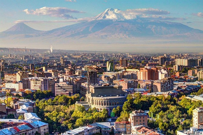 Time saving walking tour in Yerevan.<br>Flexible departure times.<br>Informative, professional and friendly introduction.
