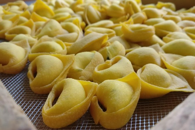 Bologna Half-Day Walking Food Tour and Tasting for Small Group, Bolonia, ITALIA