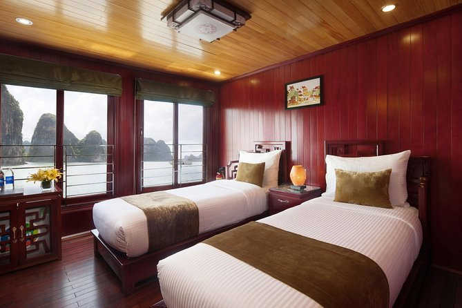 Experience 2 days 1 night on Traditional Boutique Halong Cruise, Halong Bay, VIETNAM