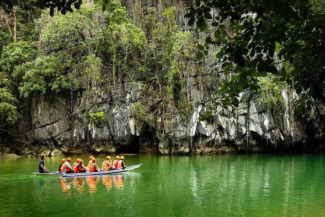 Experience Puerto Princesa Underground River Tour on your way to Port Barton. This tour starts at Puerto Princesa and ends at Port Barton, San Vicente.