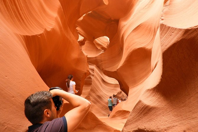 Choose between Antelope Canyon (Remain closed due Covid-19 until further notice) or Peekaboo Slot Canyon. Be amazed for the breathtaking Antelope Canyon or Peekaboo Slot Canyon with their beautiful wall curvatures and Horseshoe Bend in Page, AZ on this small, guided and personal all-inclusive tour. This is an one day trip to two of the most beautiful spots in the planet! This tour is for those that want to discover a fascinating, off-the-beaten-track gem that offers scenery and nature unlike any other location. <br><br>Antelope Canyon is one of the American Southwest's thesaurus and pretty well kept by Navajo Tribe, and it begs to be discovered by people just like you! <br><br>Peekaboo Slot Canyon in Kanab - UT is a hidden gem that is just like Antelope Canyon but without any crowd and more adventurous because it's needed to jump in an off road ride through the desert.<br><br>We also do extra stops on the way for amusement and pictures opportunities, like Lake Powell, Virgin River Canyon and more! <br><br>