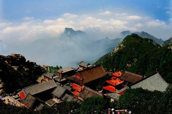 Mount Tai Private Tour from Qingdao by Bullet Train with Lunch and Cable Car, Qingdao, CHINA