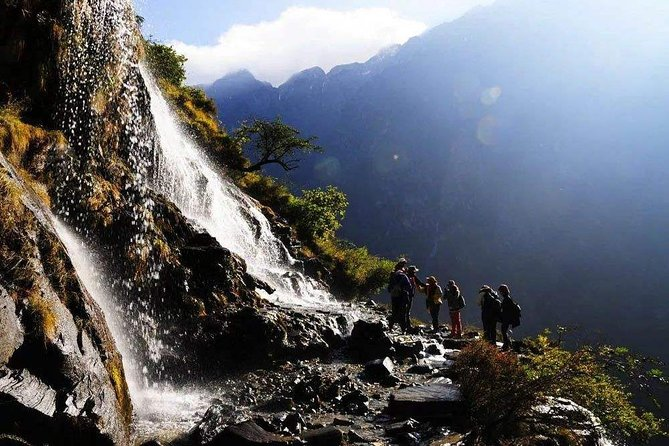 2-Days Tiger Leaping Gorge Hiking Tour from Lijiang, Lijiang, CHINA