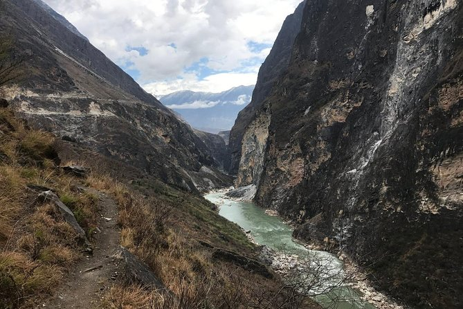 5-Days Tour from Lijiang to Shangri-La and overnight in Tiger Leaping Gorge, Lijiang, CHINA